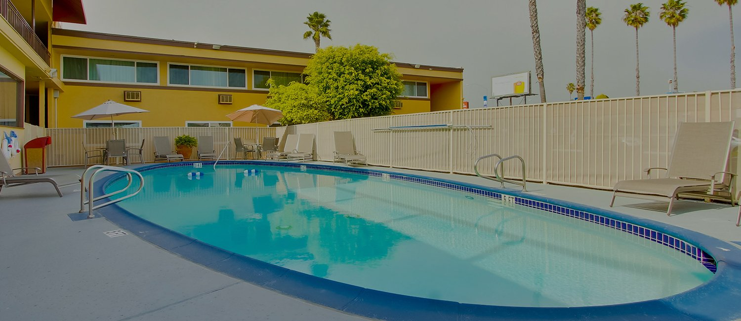 Outdoor Swimming Pool Ramada San Diego Airport