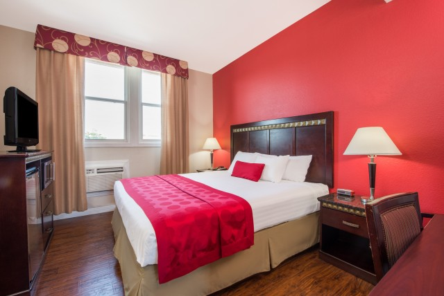1 king bed non smoking accessible room at the ramada san for Ada bedroom