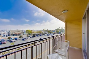 Ramada by Wyndham San Diego Airport - Some of our guest rooms enjoy private balconies