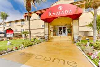 Ramada by Wyndham San Diego Airport - Hotel Entrance