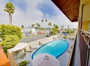 Ramada by Wyndham San Diego Airport - Outdoor Pool