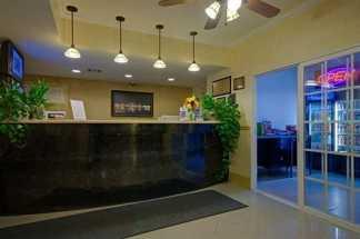 Ramada by Wyndham San Diego Airport - Reception