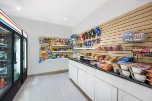 Ramada by Wyndham San Diego Airport - Pick up supplies and snacks at our very own mini mart